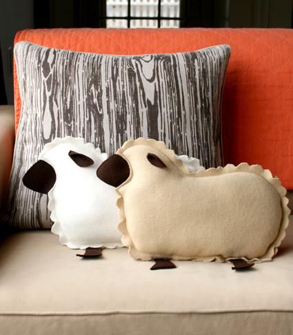 """Декоративные диванные подушки """"Домашние овечки"""""""