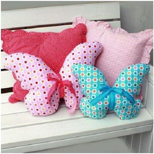 Декоративные подушки в виде бабочек