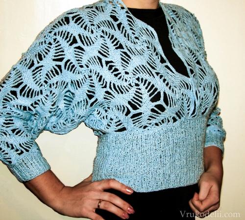Нарядная ажурная блуза с глубоким вырезом