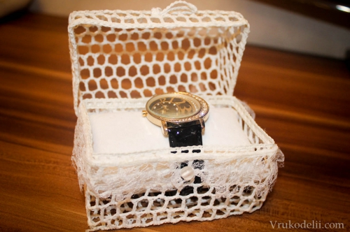 Шкатулка для часов крючком